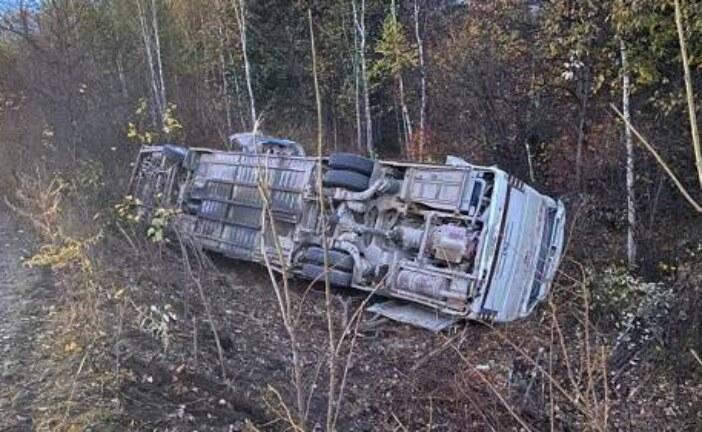 В Хабаровском крае опрокинулся автобус с 30 пассажирами — РИА Новости, 03.10.2021